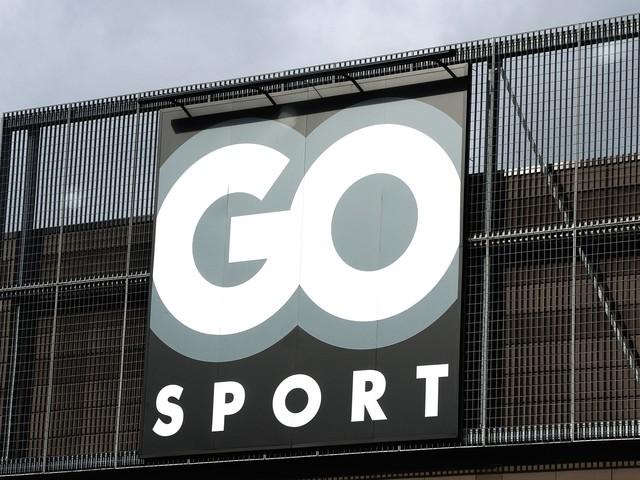 Go Sport : un magasin s'excuse après avoir lacéré et jeté des chaussures invendues