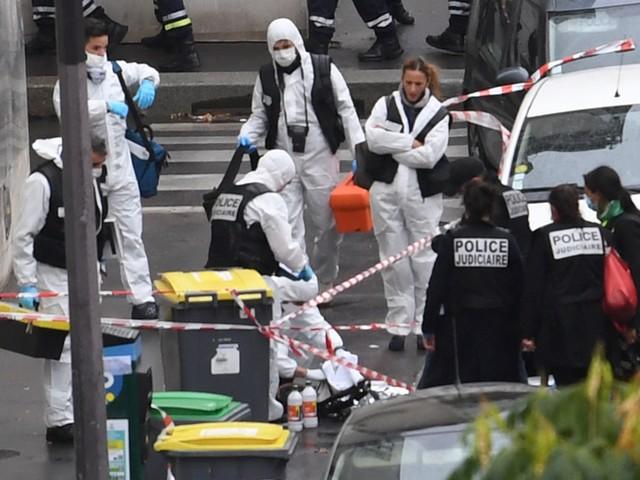 Les infos de 18h - Attaque à Paris : ce que l'on sait des suspects