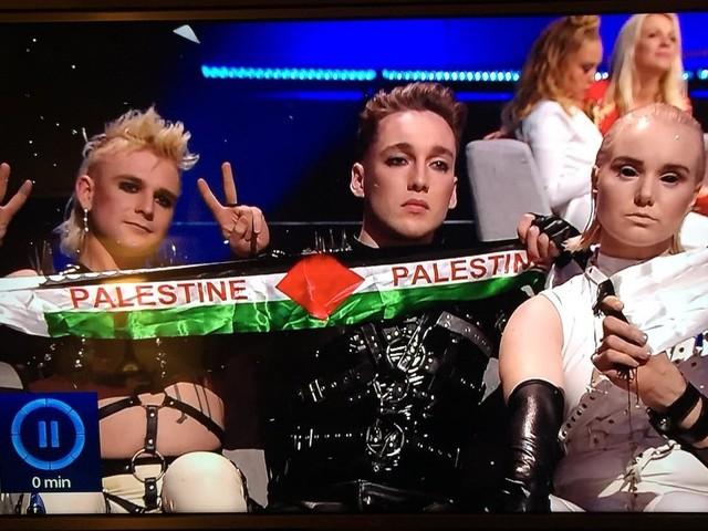 VIDÉO - Eurovision 2019 : les Islandais hués pour avoir brandi le drapeau palestinien
