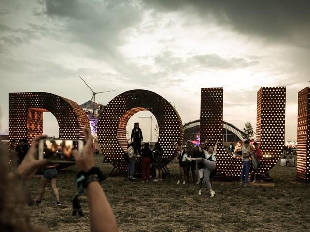 Le festival de Dour annule la venue d'un artiste suite à une publication homophobe !