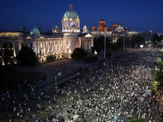 Vreedzame protesten in Belgrado donderdagavond