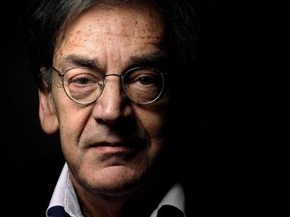 """""""Barre-toi, sale sioniste de m..."""": le philosophe Alain Finkielkraut pris à partie par plusieurs """"gilets jaunes"""""""