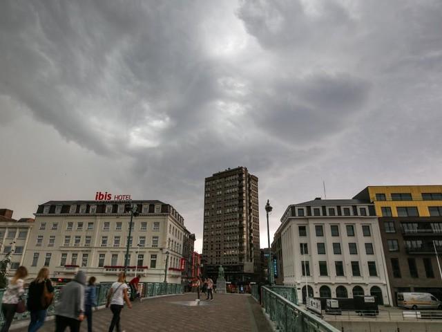 Intempéries: l'IRM lance une alerte orange aux orages sur la plupart des régions