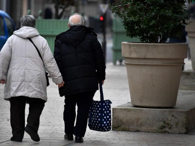 Vosges : un couple de sexagénaires, ivres, attaquent une caissière