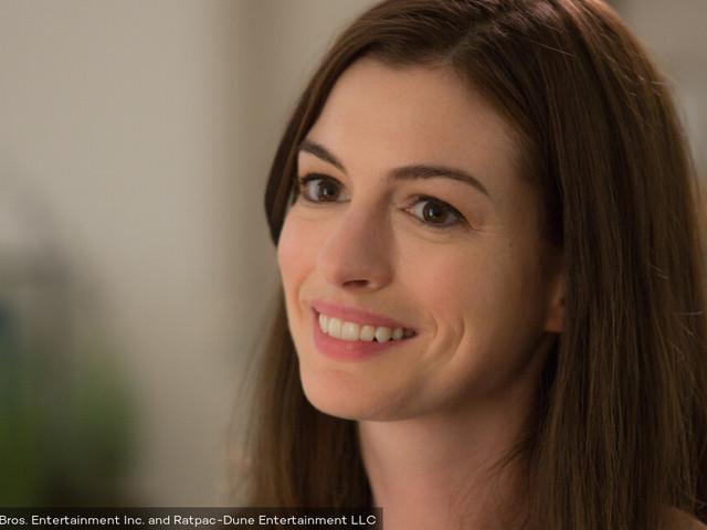 """Anne Hathaway sera à l'affiche de l'adaptation de """"French Children Don't Throw Food"""""""