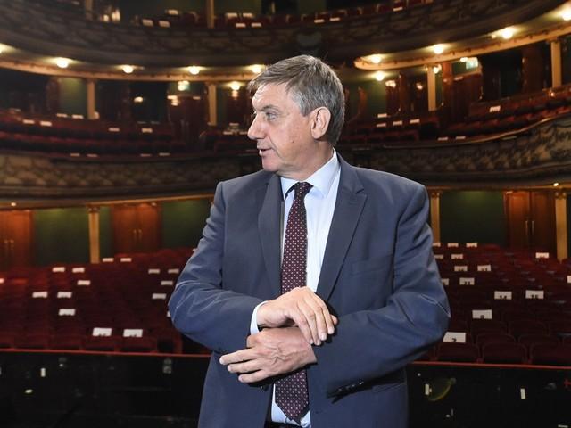 """Adviesraad wil niet dat Vlaamse regering doorzet met hervorming kunstensector: """"In diepe crisis"""""""