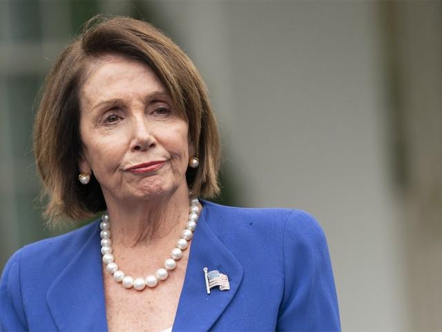 'Beledigende' foto Pelosi wordt haar coverfoto