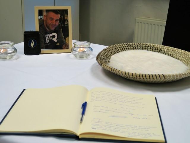 Plots overlijden politieman Lesley Van de Velde (45) maakt veel emoties los