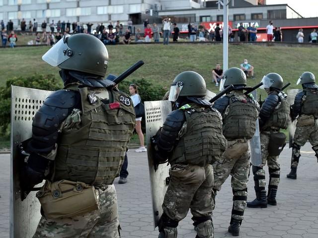 Bélarus: 700 manifestants arrêtés mercredi