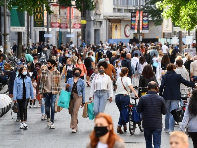 DISCUSSIE. Moeten winkels dicht als het te druk wordt? En wat met koopzondagen?