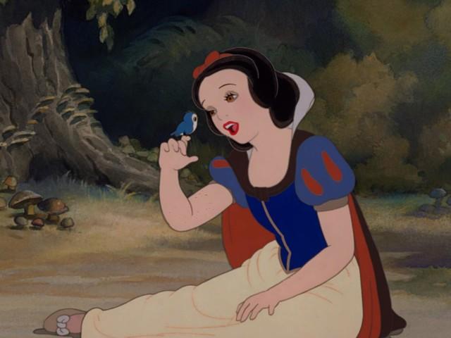 """Polémique autour des films Disney : """"C'est un peu délirant"""", selon Éric Brunet"""