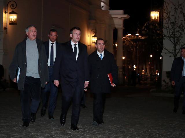 """Violences à Paris : Macron veut prendre des """"décisions fortes et complémentaires"""""""