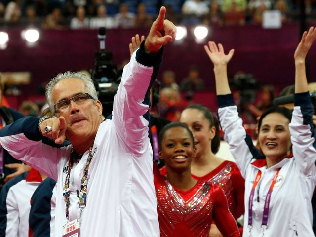 Accusé d'agressions sexuelles, l'ex-entraîneur de gymnastique Jog Geddert se suicide