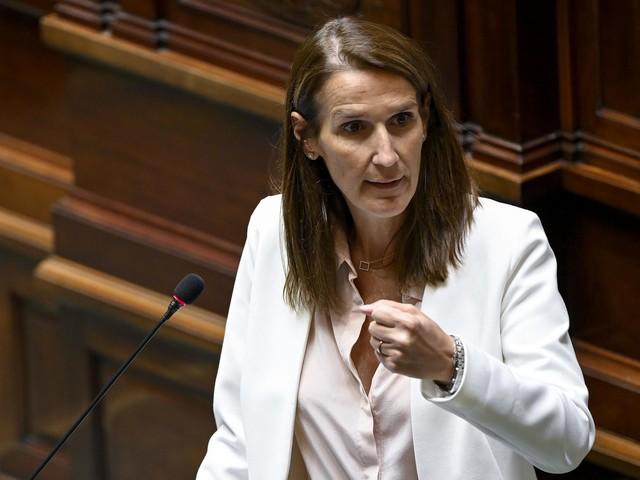 """Wilmès spreekt tegen dat de maatregelen """"buitensporig"""" versoepeld werden"""