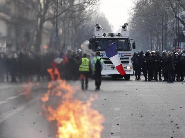 Gilets jaunes: Environ 40.500 manifestants en France, «l'ordre républicain maintenu», selon Castaner