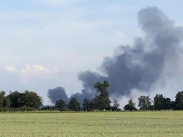 Violent incendie au sein de l'entreprise BTT à Herstal: de grosses fumées noires sont visibles à plusieurs kilomètres à la ronde!