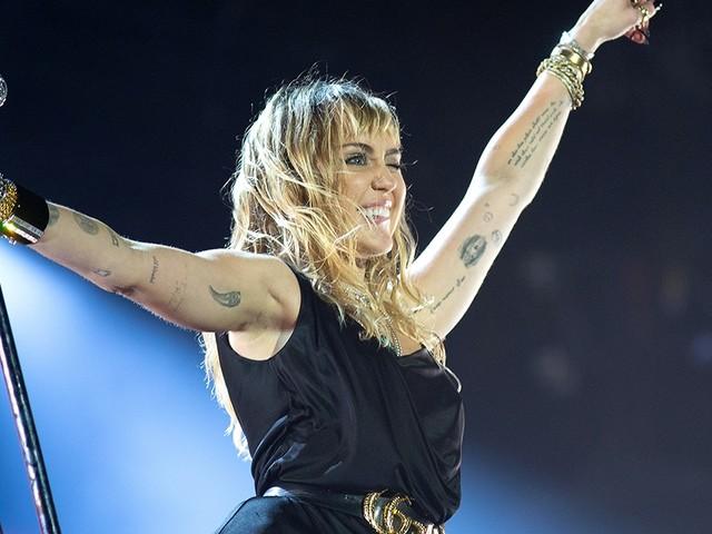 TTT-berichten: De condooms van Miley - Ed Sheeran brengt Edchup op de markt - Radiohead gehackt