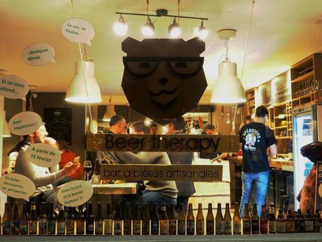Le patron du bar «Beer Therapy» rouvre fictivement sa terrasse pour manifester son ras-le-bol: «On nous empêche de travailler»