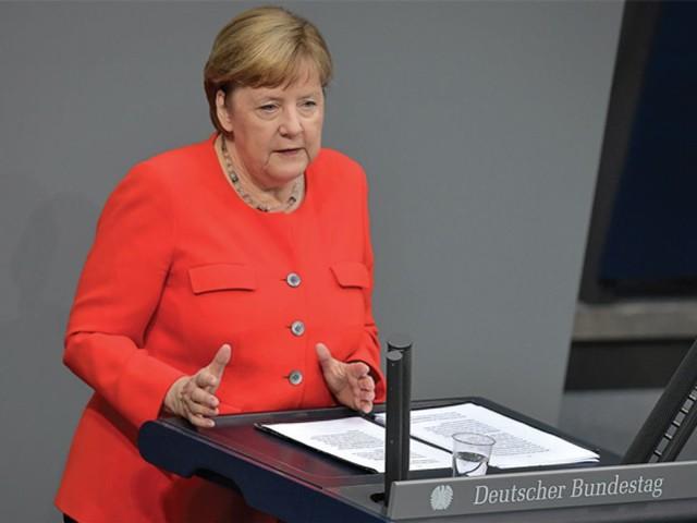 Merkel ne garantit pas qu'un accord sur le fonds de relance européen sera conclu vendredi