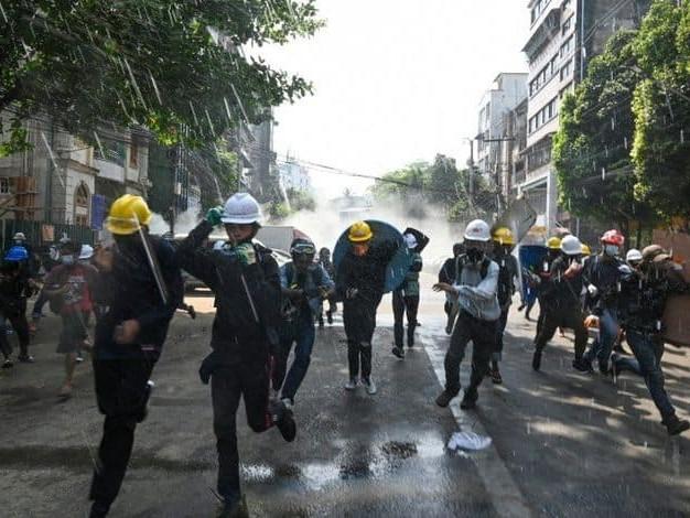 Manifestations en Birmanie : nouvelles tensions, trois manifestants touchés par balles