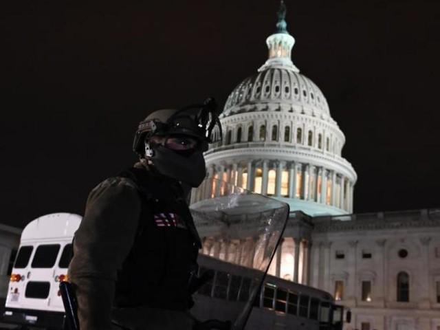 Insurrection à Washington: un officier des Marines arrêté et inculpé pour avoir participé à l'assaut sur le Capitole