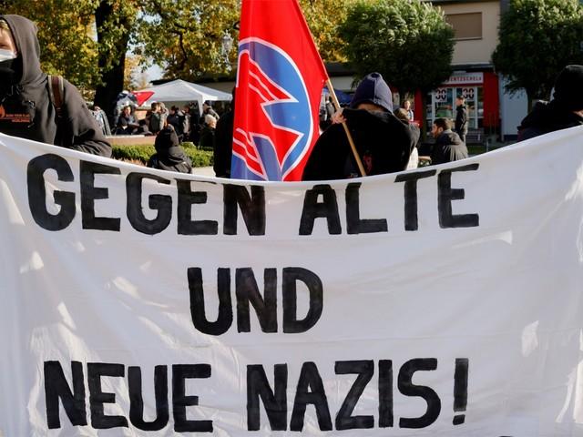 Duitse politie stopt extreemrechtse 'burgerwachten' die met machete en knuppels grens met Polen bewaken