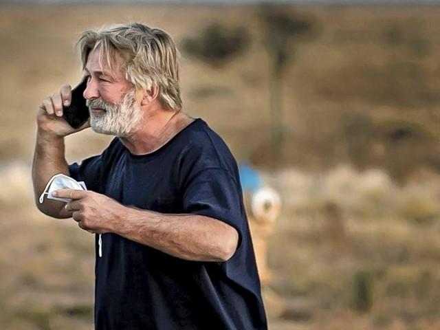 Tir mortel d'Alec Baldwin sur le tournage d'un western: voici les deux personnes au coeur de l'enquête