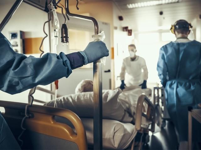 Vaccinatie mist zijn effect niet: rusthuisbewoners belanden veel minder vaak in ziekenhuis