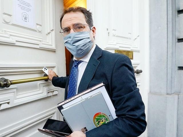"""""""Il faut accompagner les indépendants"""" : David Clarinval annonce la mise en place de séances gratuites de soutien psychologique"""