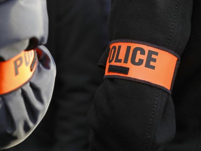 Les infos de 12h30 - Manifestant frappé par un policier à Paris : ce que l'on sait