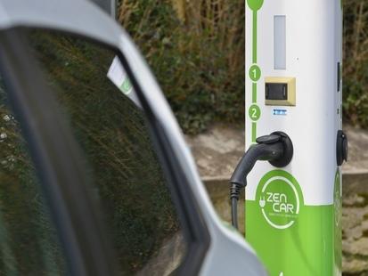 Les voitures électriques polluent-elles plus que celles au diesel?