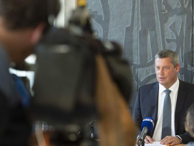 Suspicion de fraude électorale à Neufchâteau: l'écriture de Dimitri Fourny va-t-elle le trahir?