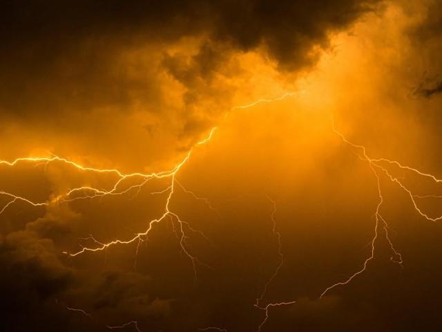L'IRM place le pays en alerte jaune: orage, chutes de grêle, précipitations abondantes et forts coups de vent, les prévisions région par région!