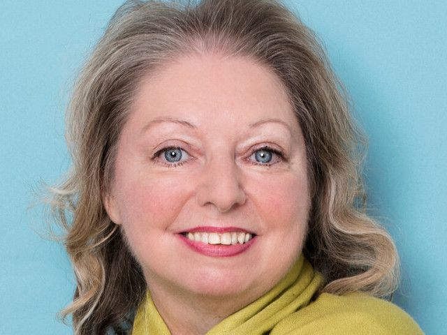 Hilary Mantel Takes On Royals and Rebels in a Book of Essays