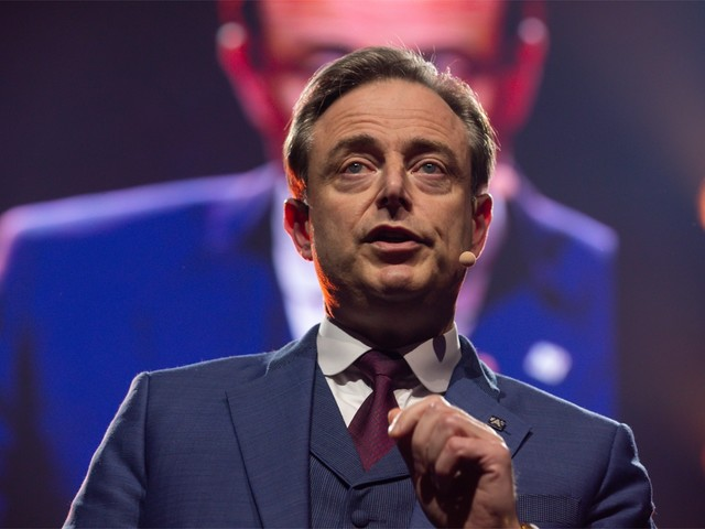 """De Wever wijt nieuwjaarstoespraak aan oversterfte: """"Een wereldwijde schande"""""""