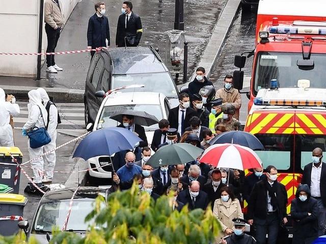 """Une nouvelle attaque au couteau secoue le procès """"Charlie Hebdo"""", mais il continue"""