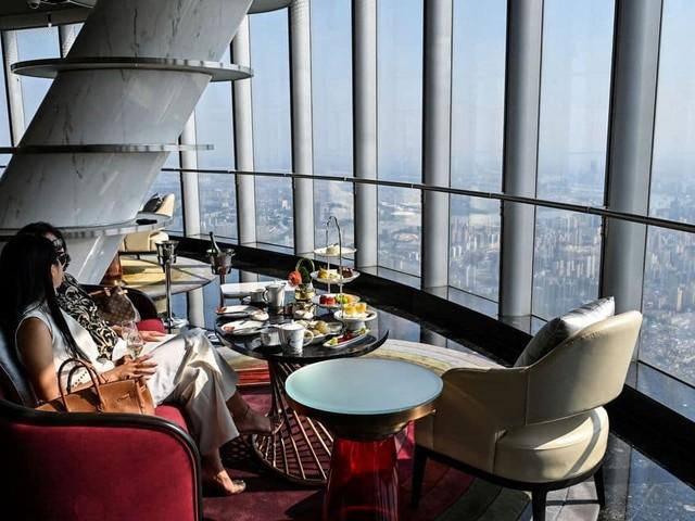 """Découvrez le """"J Hotel"""" de Shanghai, l'hôtel le plus haut du monde"""