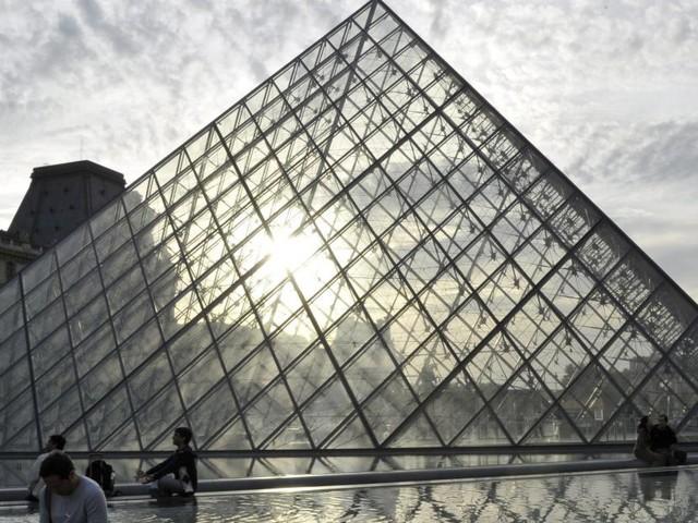 L'assaillant des militaires au musée du Louvre condamné à 30 ans de prison