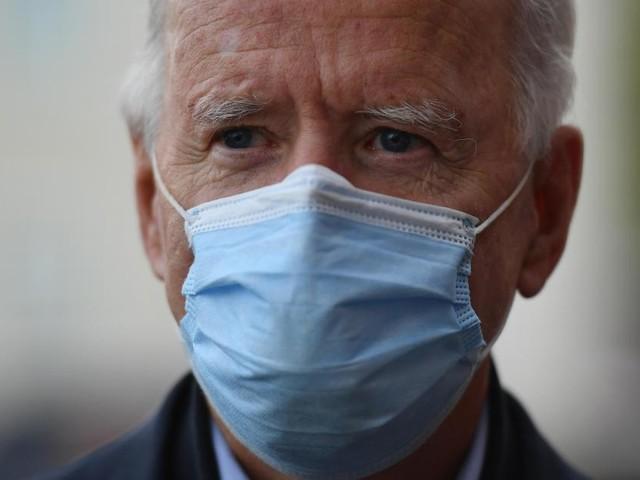 Coronavirus: les Américains vaccinés n'ont plus besoin de masque en intérieur