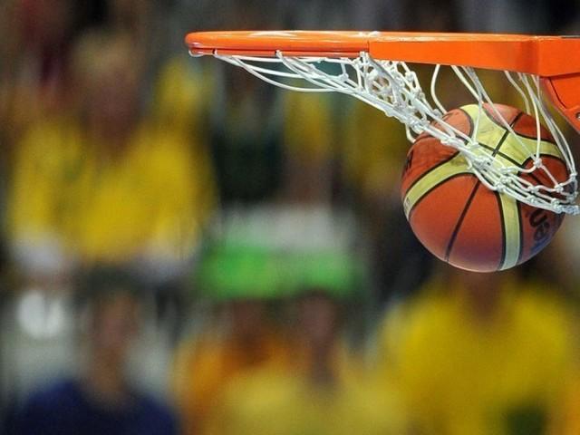Basket: l'ASVEL finit fort et reste en tête
