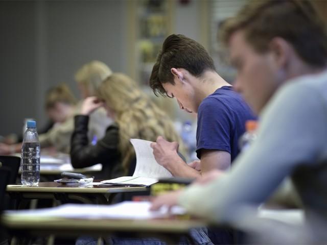 Generatie Z(ittend gat): Minder dan één op de tien tieners beweegt nog voldoende