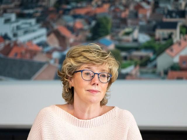Burgemeester van Sint-Truiden Veerle Heeren geeft dan toch toe: 'Ja, ik ben gevaccineerd'