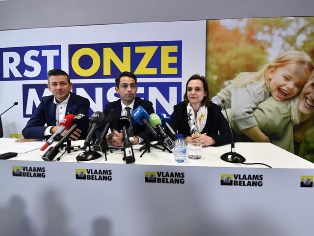 """LIVE. Tom Van Grieken geeft persconferentie: """"Voor u zit een nieuw Vlaams Belang"""""""