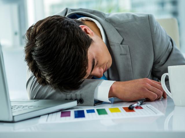 Le saviez-vous ? Au Japon, il est toléré de dormir au travail, ça signifie que vous travaillez dur