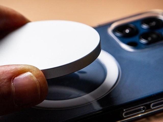 Apple travaillerait sur deux batteries externes MagSafe, dont une avec charge inversée