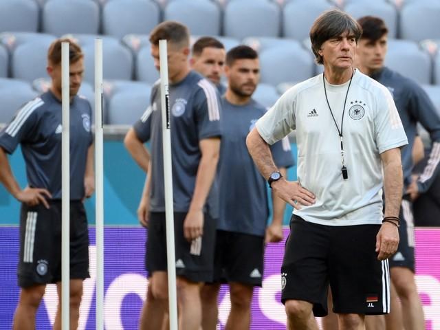 """Euro 2021 : """"Il ne faut surtout pas sous-estimer l'Allemagne"""", prévient Robert Pirès"""