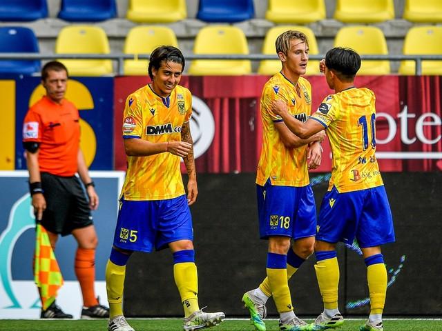 STVV smeert vicekampioen AA Gent meteen eerste competitienederlaag aan