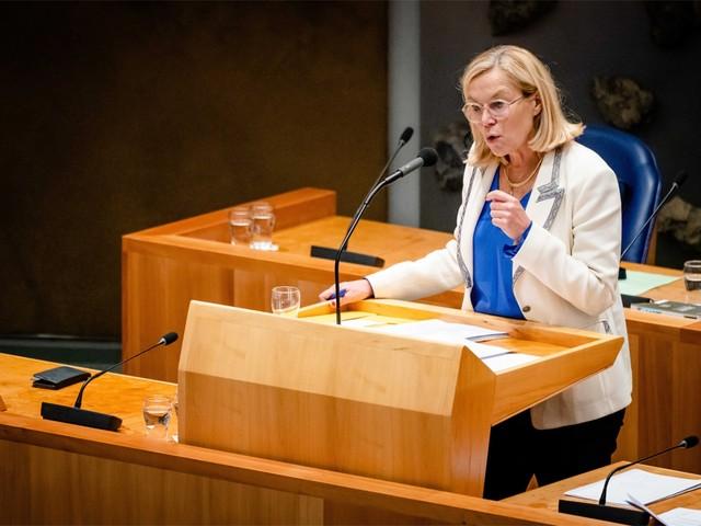 Chaotische evacuaties dwingen Nederlandse minster tot ontslag
