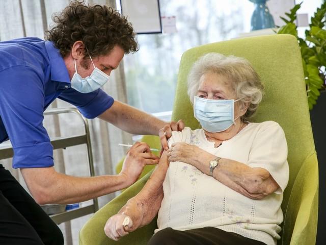 Overzicht: wanneer krijgt welk rusthuis in Limburg vaccins?