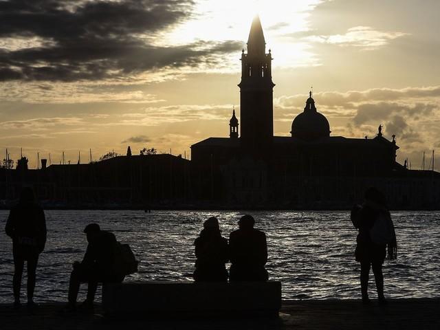 Venise, en proie à une inondation historique, décrète l'état d'urgence: 20 millions d'euros seront débloqués !